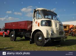 5 Ton Truck Stock Photos & 5 Ton Truck Stock Images - Alamy
