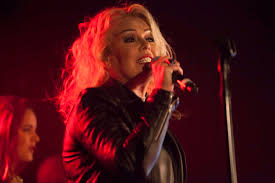 Kim Wilde Rockin Around The Christmas Tree by Kim Wilde Rounds Up Nik Kershaw Rick Astley And Dad Marty For