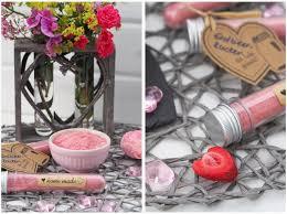 geschenke aus der küche aromatischer erdbeerzucker oder