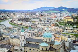 salzburg town travel guidebook must visit attractions