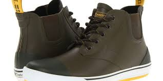 7 shoes men can wear in the rain without looking like they u0027re