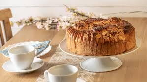 gefüllter hefekuchen woll bread