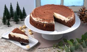 schokoladenkuchen mit sahne topping