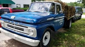 1962 F350 Farm Truck Item #1739 — Picture Car Productions