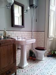 Bathroom Floor Tile Ideas Retro by Vintage Style Makeup Vanity Clawfoot Bathtub Accessories