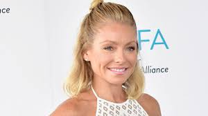 Kelly Ripa Halloween Contest by Kelly Ripa Gives Update On U0027live U0027 Co Host Search Calls Anderson