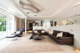 exklusiver wohnraum mit kaminecke modern wohnbereich