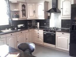 renover cuisine rustique relooker cuisine rustique en moderne le bois chez vous renovation