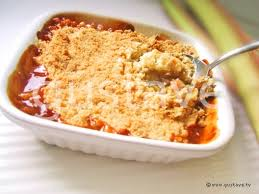 cuisiner avec du gingembre crumble de rhubarbe au gingembre la recette gustave