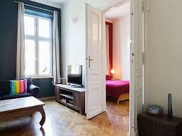 ferienwohnung geräumiges apartment in krakau mit moderner küche kleinpolen für 9 personen polen