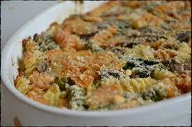 gratin coloré aux pâtes aux légumes et à la ricotta végétarien