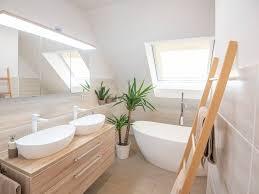 wie plane ich ein kleines bad mit dachschräge