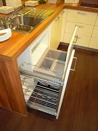 schüller musterküche moderne l küche mit halbinsel