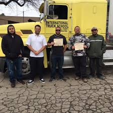 International Truck School - 40 Photos & 15 Reviews - Driving ...
