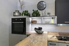 offene versus geschlossene hängeschränke küchenkompass