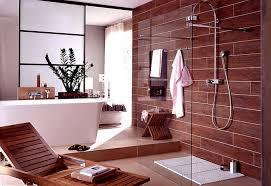 badezimmer englisch badezimmer mit hölzernen schattierungen