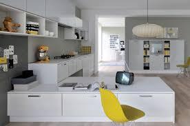 cuisine jaune et blanche cuisine blanche déco jaune vb home vb home