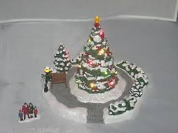 Thomas Kinkade Christmas Tree Cottage by Thomas Kinkade Christmas Village Collection On Ebay
