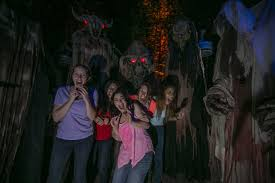 Busch Gardens Event Howl O Scream Is Truly Cursed With New