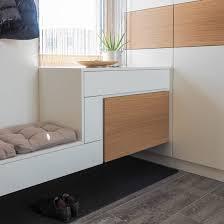 tischlerei ecker vorzimmer weiß lack modern mit sitzbank