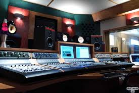Rappers Rob Studio After Recording Session
