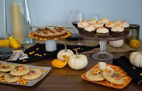 Halloween Candy Dish by Feed Your Friends Halloween Desserts Made With Your Favorite
