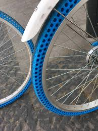 These Bikes Have Airless Tires - Imgur Tire Wikipedia Michelin X Tweel Turf Airless Radial Now Available Tires For Sale Used Items For Sale Electric Skateboard Michelin Putting Tweel Into Production Spare Need On Airless Shitty_car_mods Turf Tires A Time And Sanity Saving Solution Toyota Looks To Boost Electric Vehicle Performance Tesla Model 3 Stock Reportedly Be Supplied By Hankook Expands Line Take Closer Look At Those Cool Futuristic Buggies In Westworld Amazoncom Marathon 4103506 Flat Free Hand Truckall Purpose Why Are A Bad Idea Depaula Chevrolet Blog