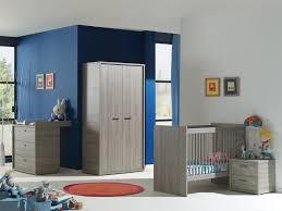 chambre en espagnol chambre bébé complète contemporaine chêne espagnol travis