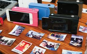 Prynt the iPhone 6 case that prints Polaroid style photos is now