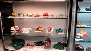 led lighting and display cabinets for collectors