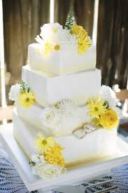 Wedding Rustic Square Tiered White Cake With And Yellow Daisies Roses Photo By Dan Stewart