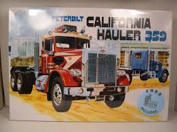 PETERBILT CALIFORNIA HAULER 359 Amt 1:25 Scale Plastic Model Truck ...