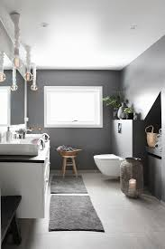 modernes badezimmer in grau und weiß bild kaufen