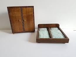 alte puppenmöbel holz schlafzimmer schrank kleiderstange