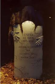 Funny Halloween Tombstones For Sale by Best 25 Scary Halloween Ideas On Pinterest Scary Halloween