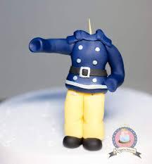 fondant cake topper tutorial süßer feuerwehrmann sam
