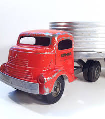 VINTAGE 1950'S SMITH Miller Smitty Toys Silver Streak Semi Truck ... Smithmiller Toy Truck Union 76 Tow For Smittys Garage Fred Smith Miller Original Bell Telephone System Canvas The Larry Seiber Collection Ron Ramsey Auctions Truckn Cstruction Show Auction Lloyd Ralston Toys Fshlyrestored Lumber And Pup Trailer Tips Farmers Ranchers On Buying A Semi Trailer Latest News Gl Sayre Peterbilt Intertional Parts L Model Mack Blue Diamond Dump With Box Hakes Sthmiller Model Mack Combination Lumber Truck Trailer Original 1954 Smith Miller Factory Color Sales Sheet Gmc Bmack