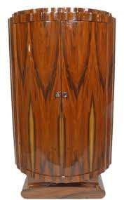 casa padrino deco schrank braun 100 x 45 x h 165 cm halbrunder mahagoni wohnzimmerschrank mit 2 türen deco wohnzimmer möbel