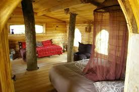 cabane dans la chambre chambres d hôtes gîtes de 3 épis dans les arbres hautes