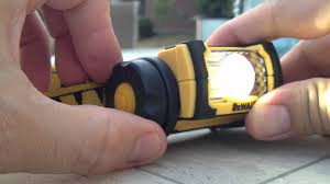 dewalt dwht70440 led jobsite headl overview