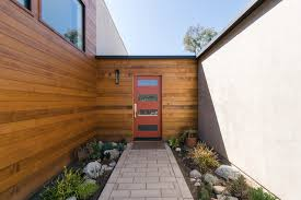 104 Contemporary Cedar Siding Modern Red Entry Door At Entry Los Angeles By Moss Yaw Design Studio Houzz Au