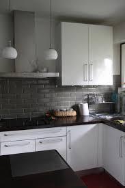 mur de cuisine credence carrelage cuisine blanche