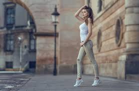 Beautiful Urban Girl 540x960 Resolution