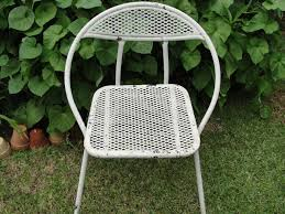 Vintage Metal Folding Chair Garden Cottage Chic Cube Chair ... Thbsafc001 Samsonite Folding Chairs And Card Tables Usa Steel Folding Chair Padded Metal Amazoncom Fniture 2900 Series Fabric Fanback Case4 Gray Seat Polypropylene Black Back Frame Fourlegged Base 2200 Injection Mold Powder Coated Fourleg Event Rentals In Atlanta Kid White Miami Brown Chairs 497521050 2800 40 Burgundy