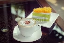 fototapete mocha in weiße tasse kaffee und kuchen oder gold foythong eigelb