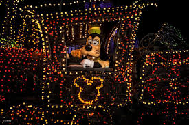 When Does Disneyland Remove Christmas Decorations by Disneyland Offers Special 3 Day Tickets To Southern California