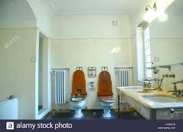 bad waschbecken stockfotos und bilder kaufen alamy