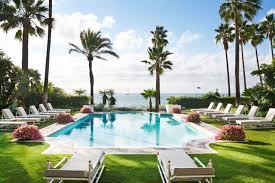 Ultra Luxury Villas for Glamorous Group Getaways