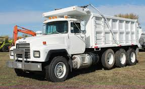 2000 Mack RD688S Triple Axle Dump Truck | Item H4180 | SOLD!... Sinotruk 336hp Tri Axle 10 Wheel 1863m3 Loading Capacity Howo Dump Kenworth Trucks For Sale Durham Truck Equipment Sales Service Inventory For Sale In 1214 Yard Box Ledwell 2018 Peterbilt 348 Triaxle Truck Allison Automatic Reefer Variations Of The Deuce Deuce Site Used 2006 Peterbilt 379 Ex Hoods Triaxle Steel Dump For Sale 2016 1281 Bwise Dlp Series Heavyduty Trailer W Hydraulic 1984 Ford Ltl9000 Sn 1fdya92x4eva51716 Cat What You Need To Know When A Straight Truck Needs Pull Trailer
