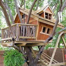 50 DIY Treehouses Made From Reclaimed Materials Tree House